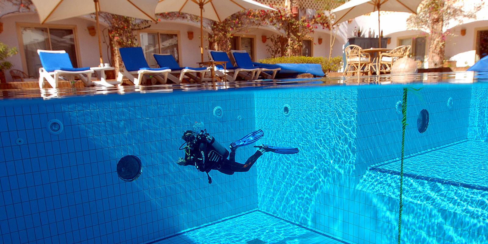 Camel Hotel + PADI Open Water