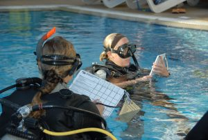 Assistente Istruttore PADI (PADI Assistant Instructor)